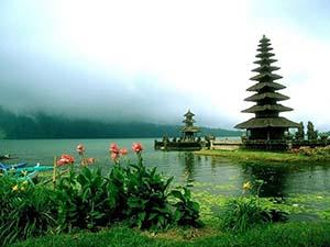 Bedugul Lake Temple